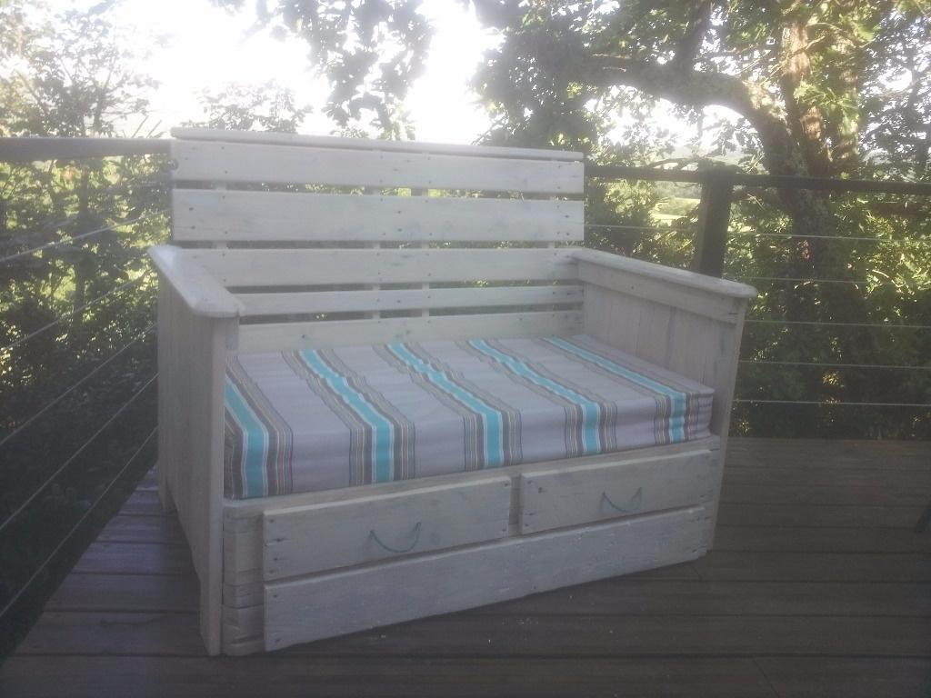 Canap en palettes par cevenol sur l 39 air du bois for Canape palette terrasse