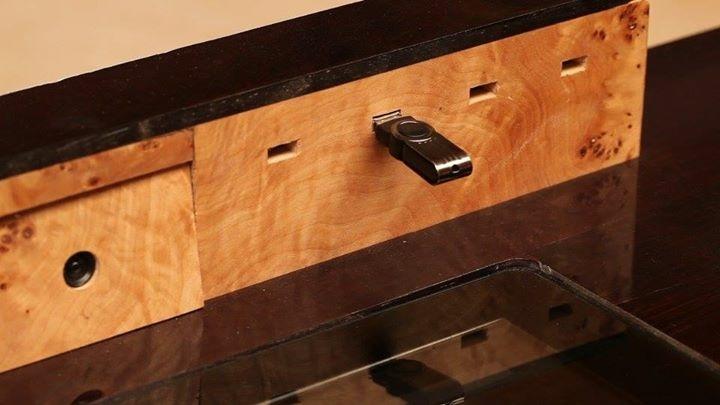 le bureau connect par martin lecomte par martinlecomte sur l 39 air du bois. Black Bedroom Furniture Sets. Home Design Ideas