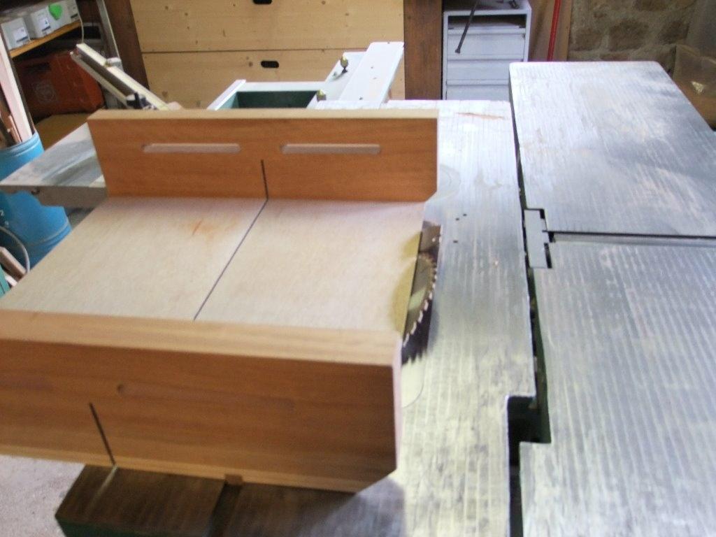 Chariot de sciage pour scie circulaire par bernino sur l - Fabriquer table scie circulaire ...