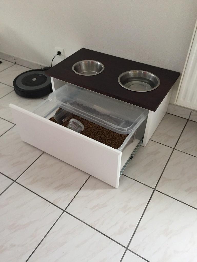 meuble gamelles pour chien par titi sur l 39 air du bois. Black Bedroom Furniture Sets. Home Design Ideas