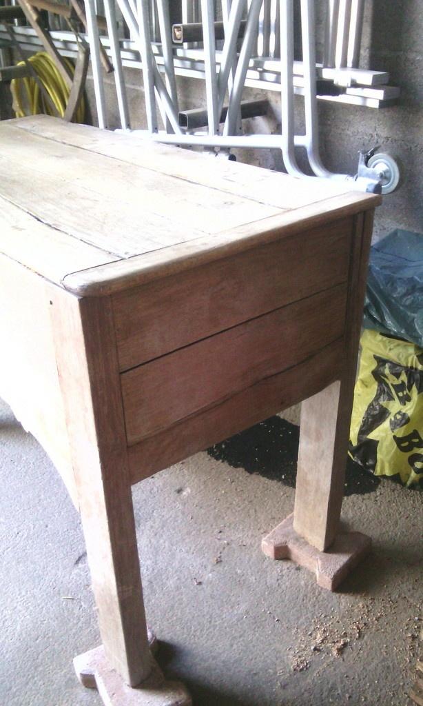 restauration et transformation d 39 une maie par deco bois. Black Bedroom Furniture Sets. Home Design Ideas
