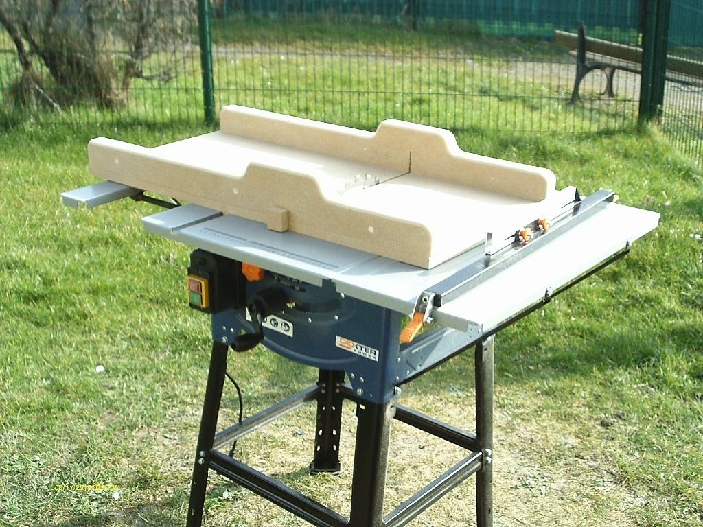 chariot pour scie sur table par toff62 sur l 39 air du bois. Black Bedroom Furniture Sets. Home Design Ideas