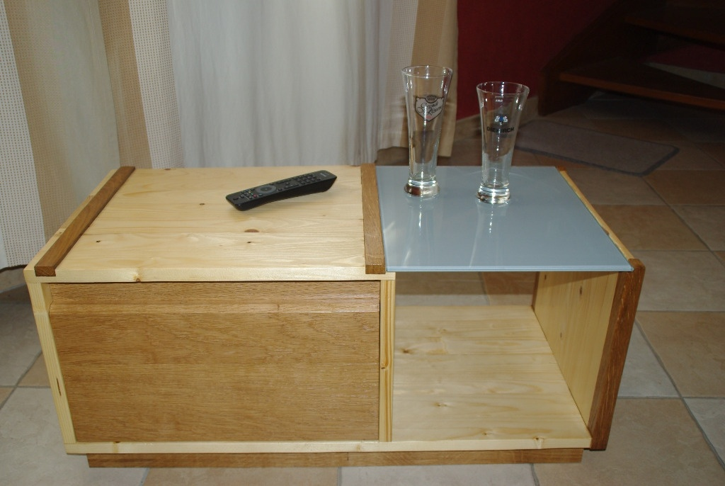 une table basse simple et pratique par gaetan m sur l 39 air du bois. Black Bedroom Furniture Sets. Home Design Ideas