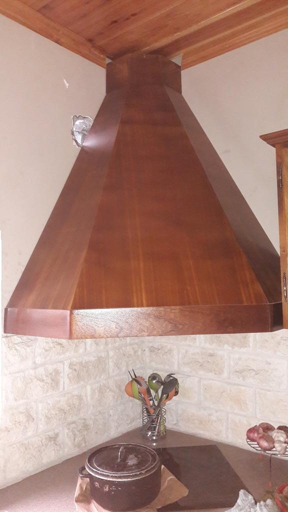 habillage bois pour hotte aspirante par seb974 sur l 39 air du bois. Black Bedroom Furniture Sets. Home Design Ideas