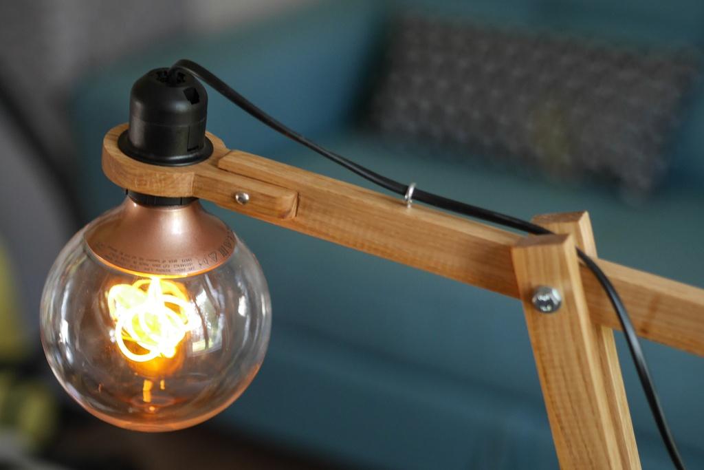 lampe architecte par got sur l 39 air du bois. Black Bedroom Furniture Sets. Home Design Ideas