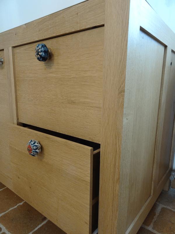 parmi mes quelques ralisations ce meuble de cuisine pour y poser un vier timbre doffice le bois est issu uniquement de rcup pieds de table