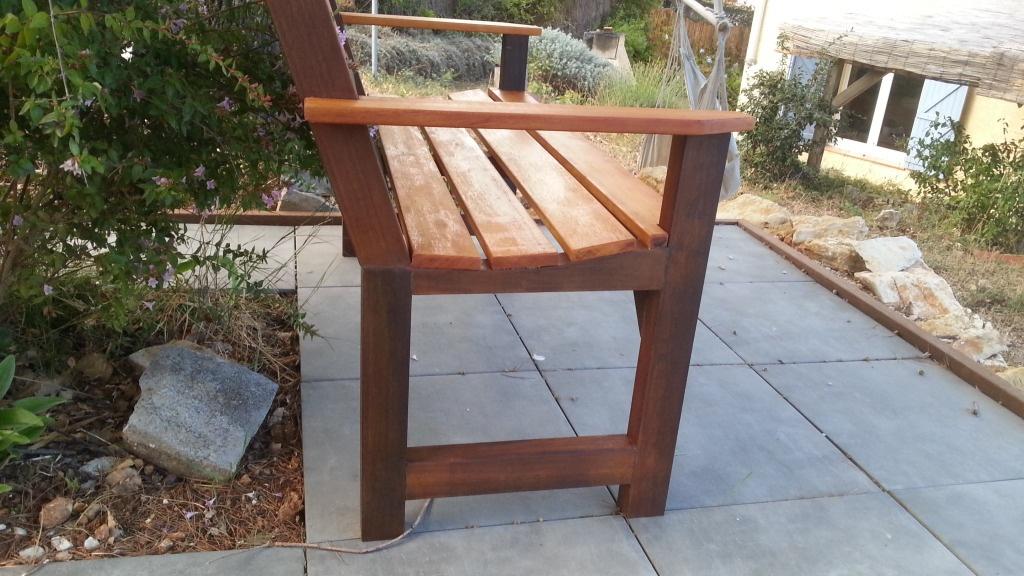 banc de jardin bicolore par gwain13 sur l 39 air du bois. Black Bedroom Furniture Sets. Home Design Ideas