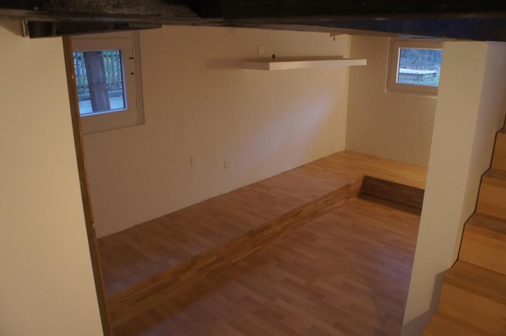 pas pas am nagement d 39 un sous sol par flo sur l 39 air du bois. Black Bedroom Furniture Sets. Home Design Ideas