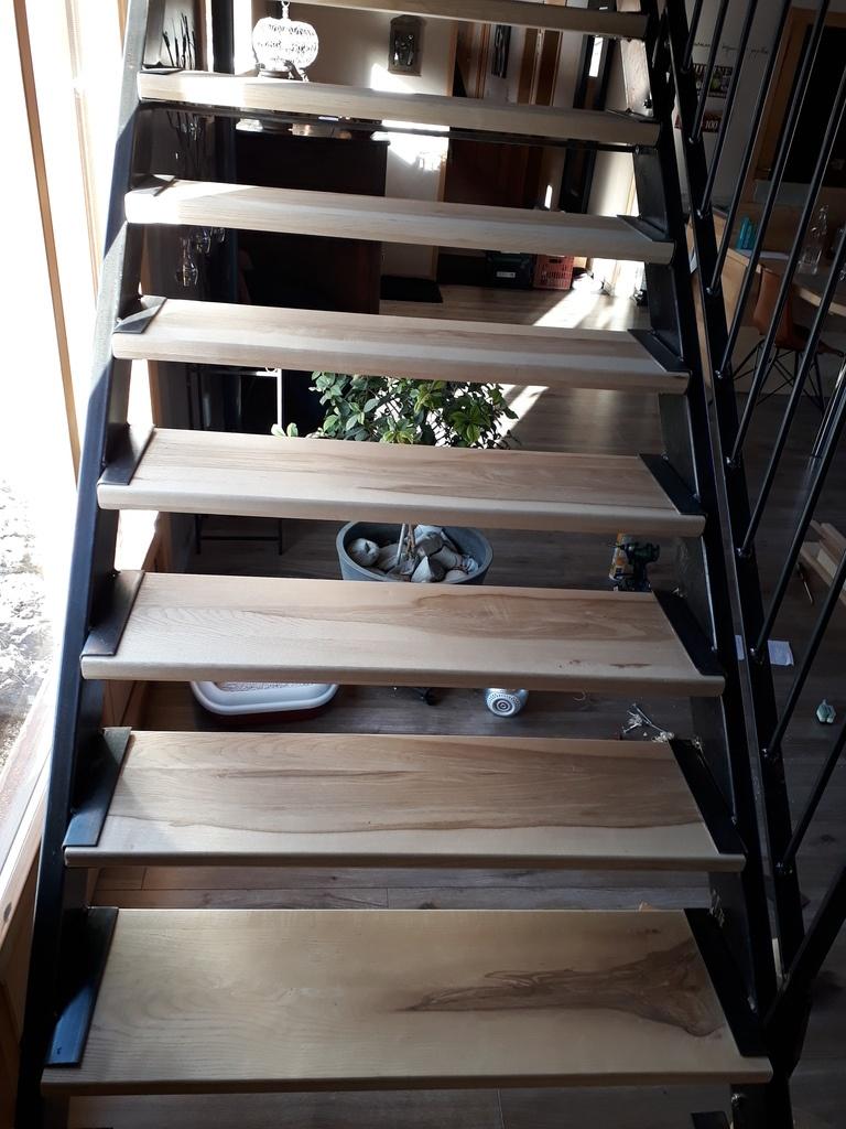 Ajouter Des Contre Marche Escalier marches et contremarche cintrée pour escalier bois et métal