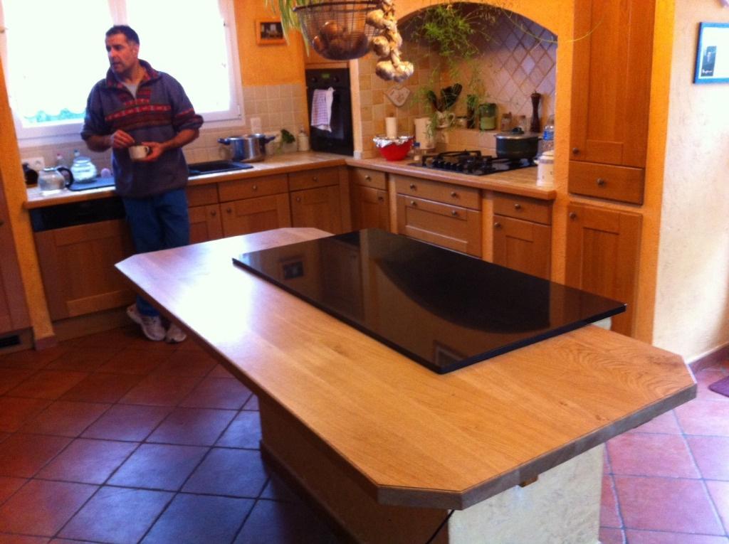 plan de travail pour ilot central par pimpon sur l 39 air du bois. Black Bedroom Furniture Sets. Home Design Ideas