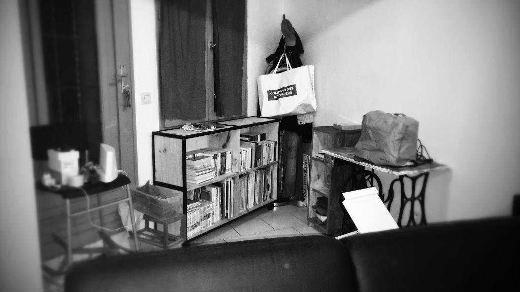 mon premier meuble par gwenaninou sur l 39 air du bois. Black Bedroom Furniture Sets. Home Design Ideas