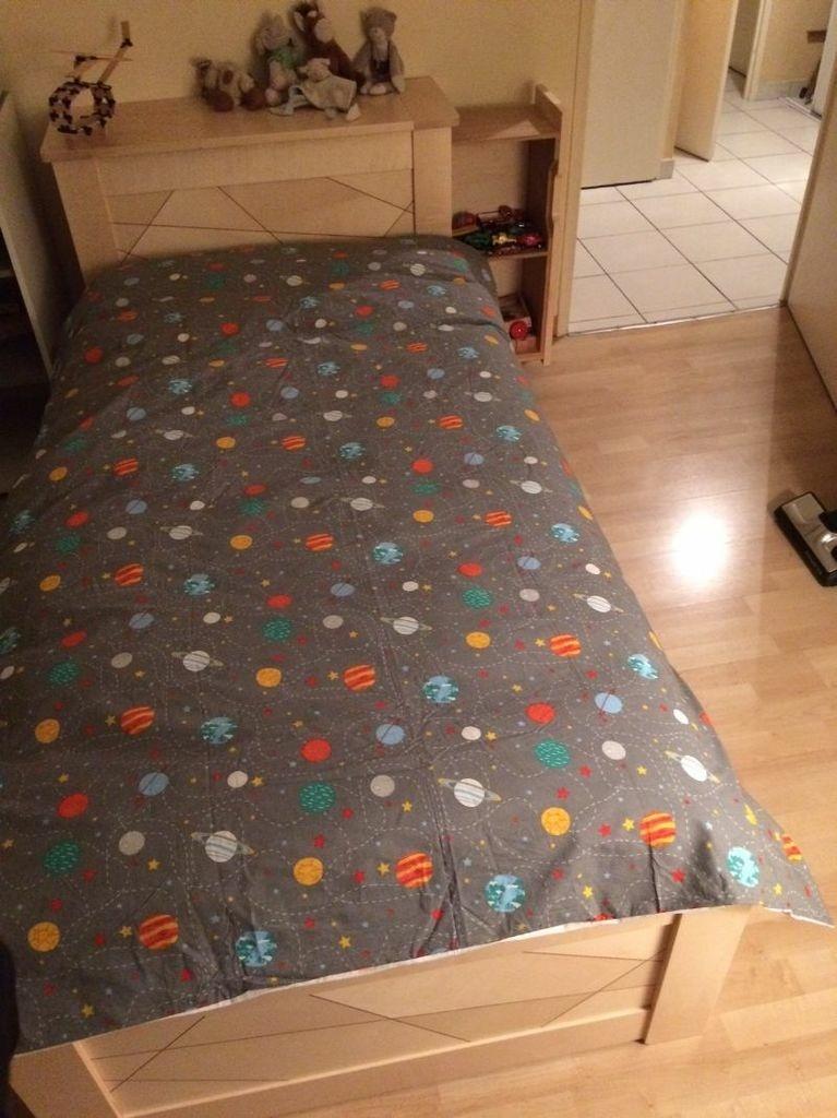 lit d 39 enfant par boris beaulant sur l 39 air du bois. Black Bedroom Furniture Sets. Home Design Ideas
