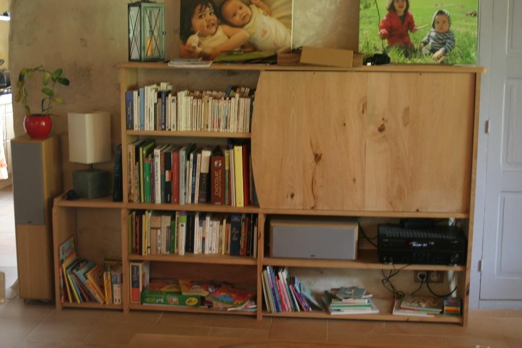 Meuble étagère cache TV par SylvainB sur L\'Air du Bois