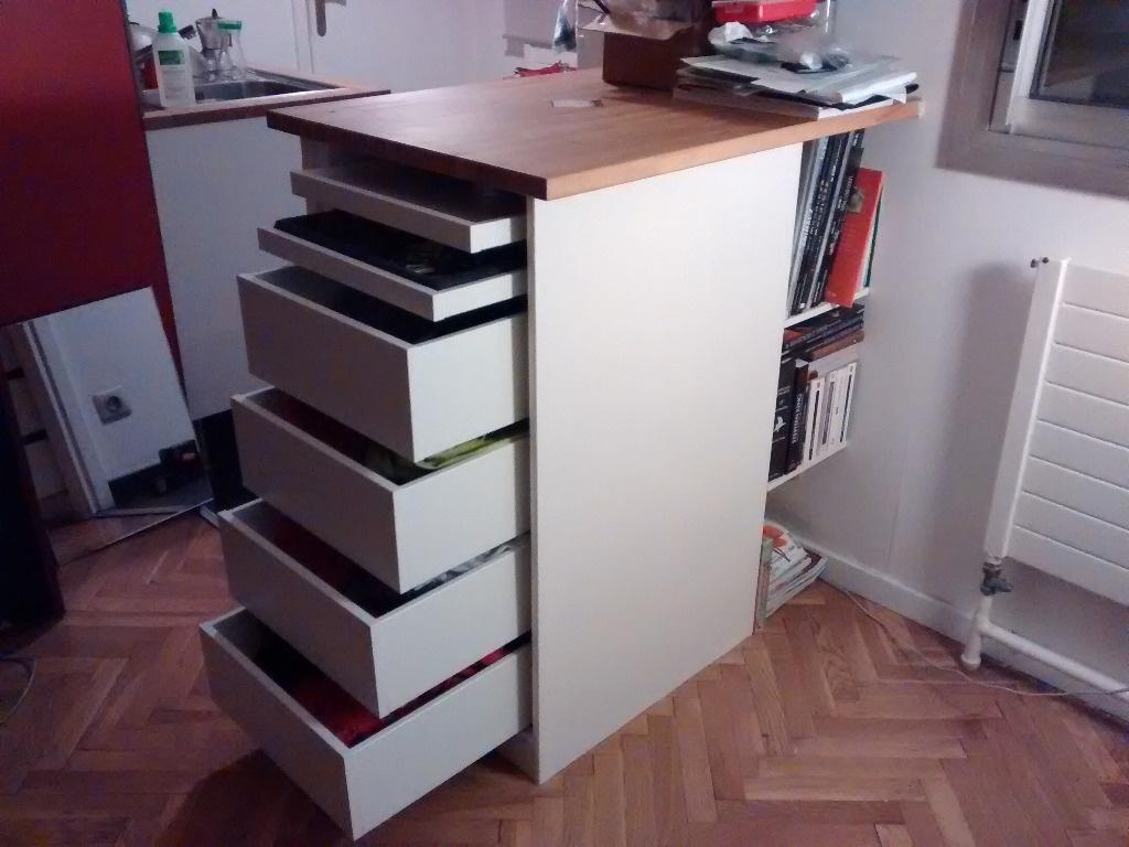 Meuble tiroirs sur comptoir par flipflip sur l 39 air du bois for Comptoir separation cuisine