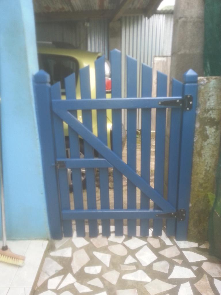 Petit portail par seb974 sur l 39 air du bois for Petit portail bois