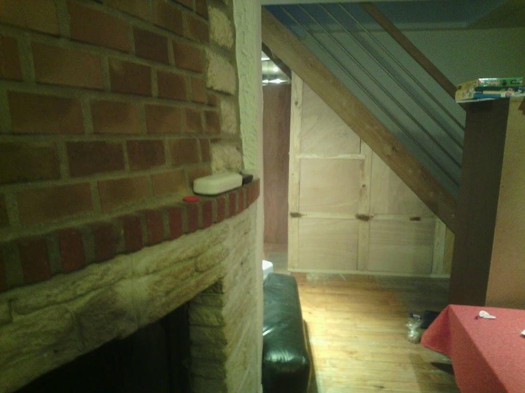 placard sous escalier par barzouk sur l 39 air du bois. Black Bedroom Furniture Sets. Home Design Ideas