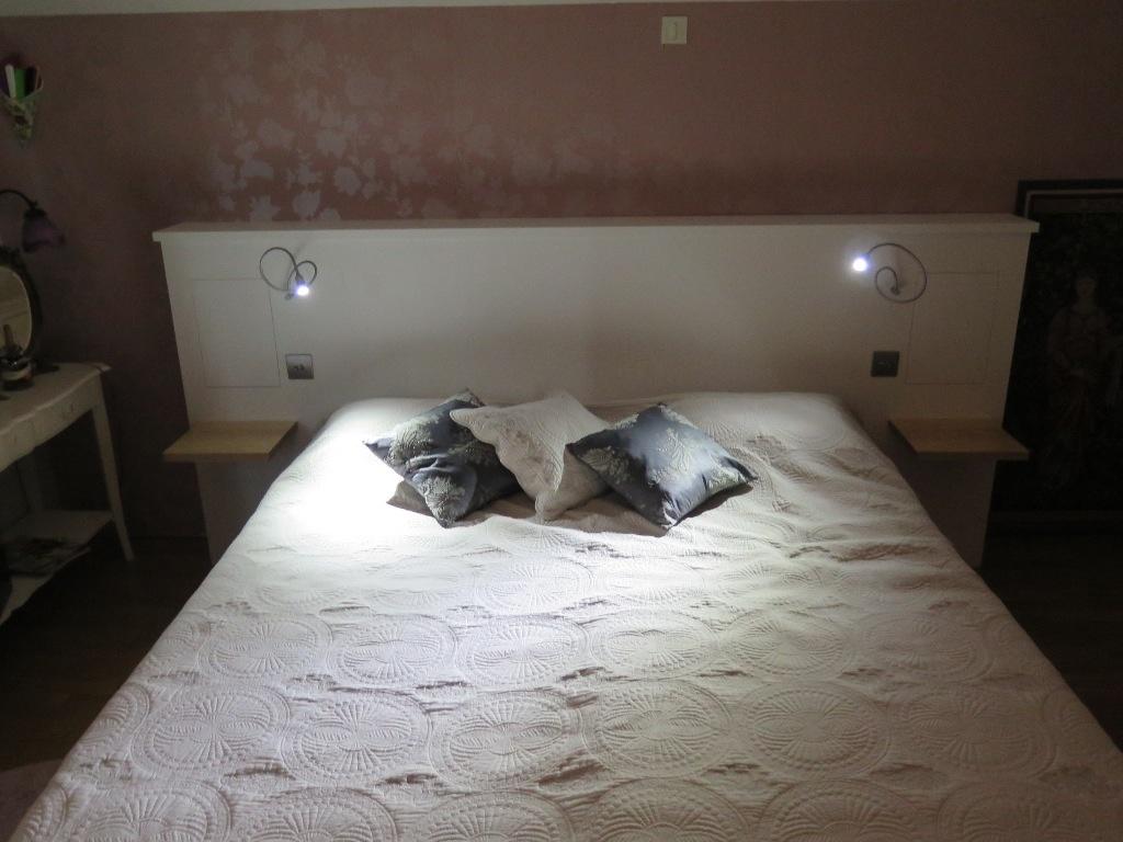 t te de lit par adrienh sur l 39 air du bois. Black Bedroom Furniture Sets. Home Design Ideas