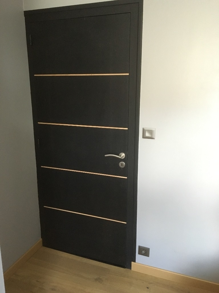 relooking d 39 une porte int rieur par woodworker710 sur l 39 air du bois. Black Bedroom Furniture Sets. Home Design Ideas