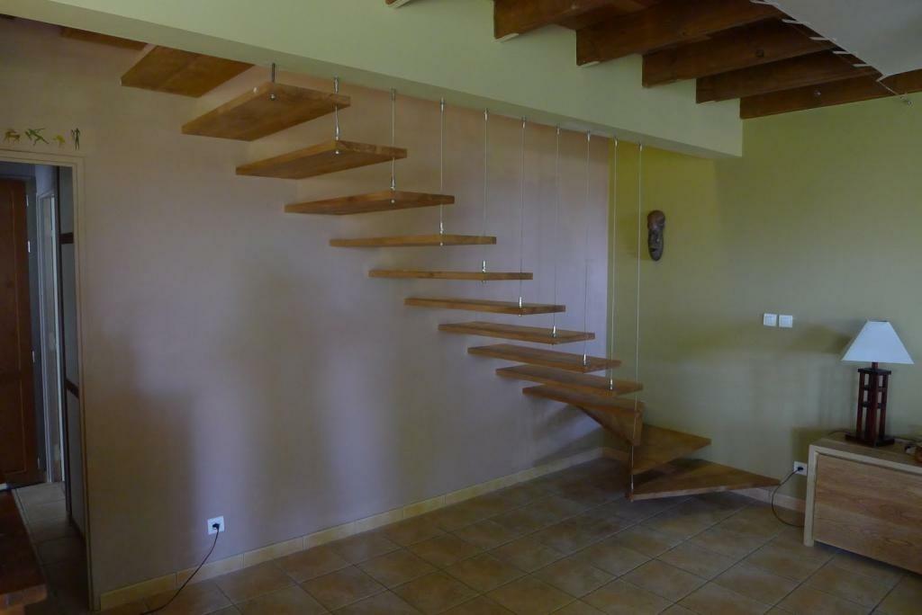 escalier quart tournant suspendu par toutenbois sur l air du bois