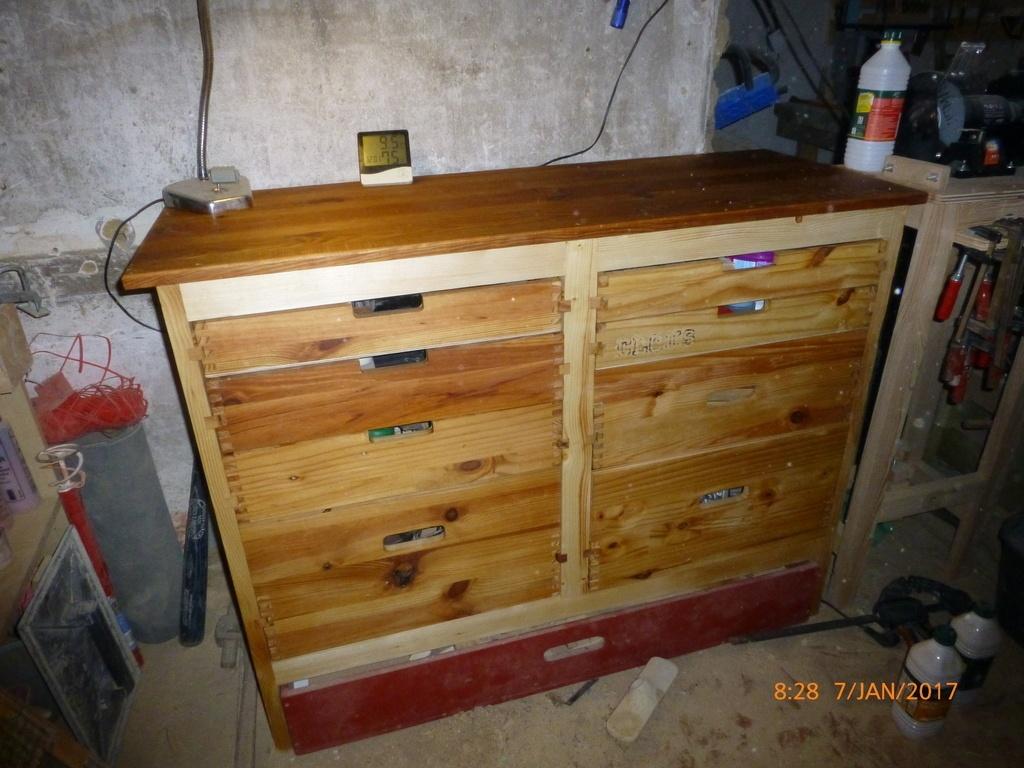 Meuble d 39 atelier par lolive sur l 39 air du bois for Atelier du meuble rustique