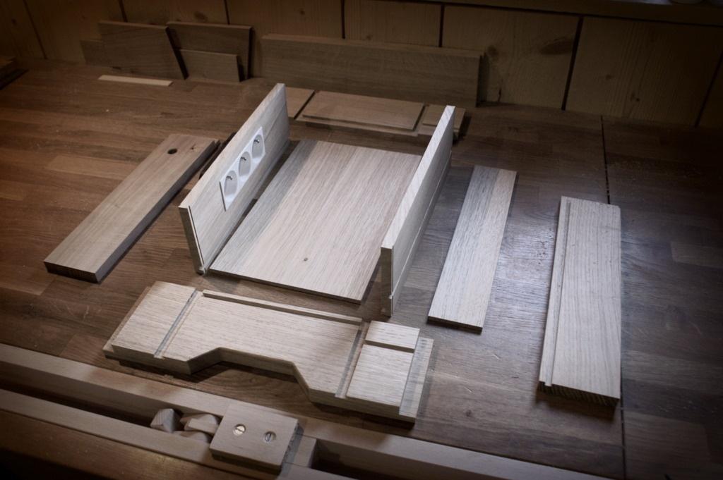 Un petit meuble à tiroirs - Page 2 4d37dae317a75e8619c0dc69a9fbeeb71bf43c78