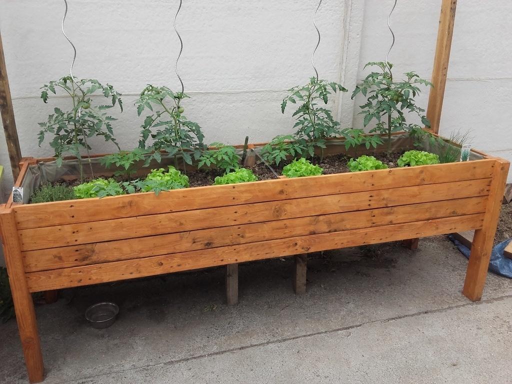 Jardiniere Par Shelby Sur L Air Du Bois