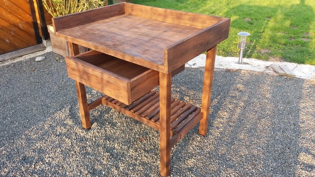 table de rempotage par camema sur l 39 air du bois. Black Bedroom Furniture Sets. Home Design Ideas