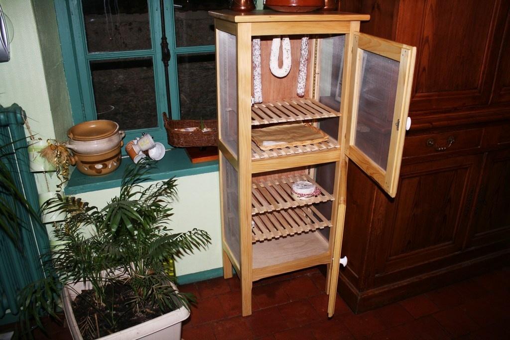 garde manger par labricole28 sur l 39 air du bois. Black Bedroom Furniture Sets. Home Design Ideas