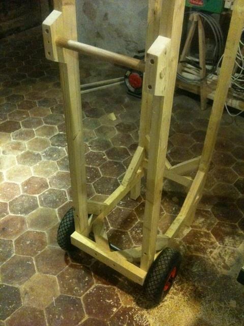 chariot b ches par boris beaulant sur l 39 air du bois. Black Bedroom Furniture Sets. Home Design Ideas