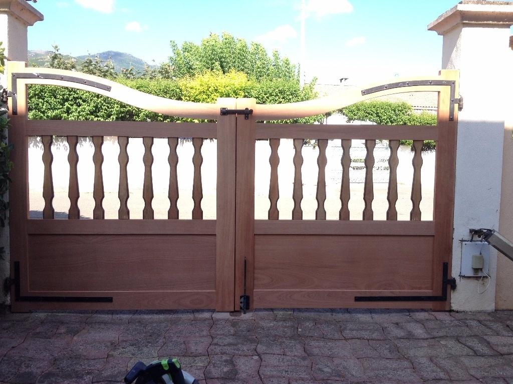 Portail et portillon par timng8 sur l 39 air du bois for Portillon portail