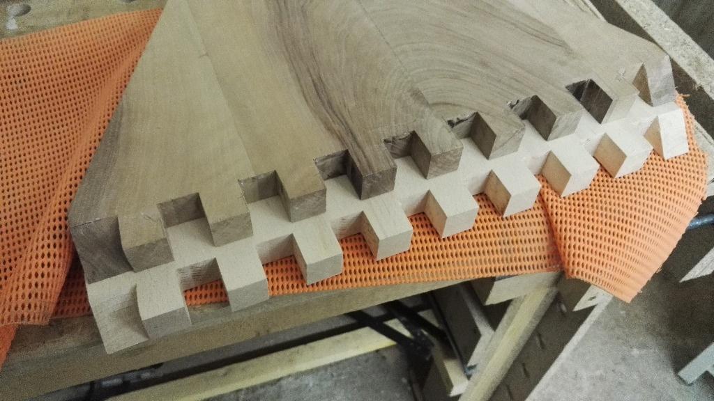 pas pas table basse style origami par nico39 sur l 39 air du bois. Black Bedroom Furniture Sets. Home Design Ideas
