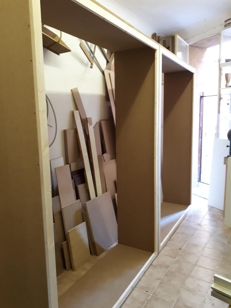 fabrication sur mesure meuble de rangement alimentaire pour une boutique par cousin06 sur l 39 air. Black Bedroom Furniture Sets. Home Design Ideas