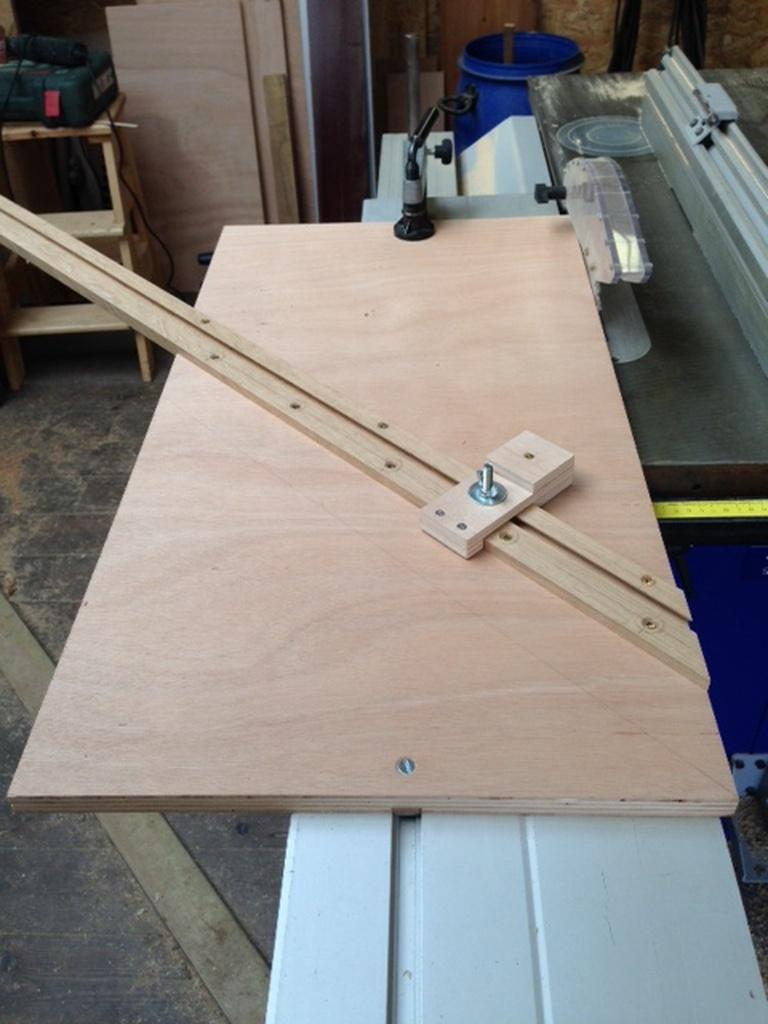 guide pour coupe d 39 onglet par xavier sur l 39 air du bois. Black Bedroom Furniture Sets. Home Design Ideas