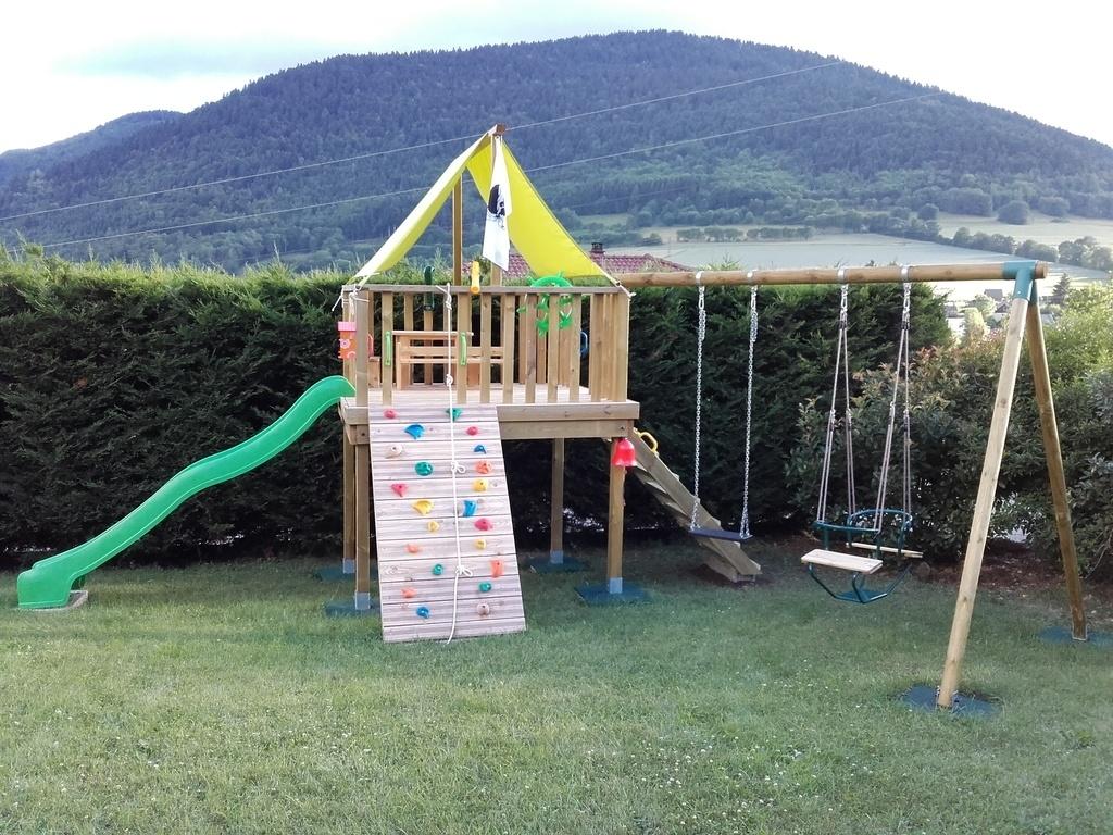 pas pas une aire de jeux pour mes loulous par nico38 sur l 39 air du bois. Black Bedroom Furniture Sets. Home Design Ideas