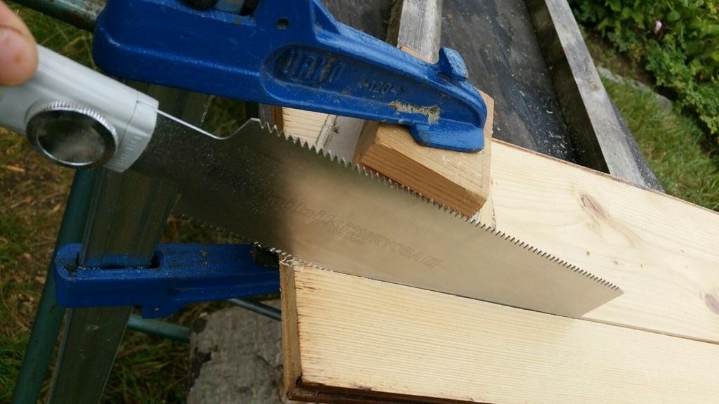 Question couper droit avec une scie ryoba par emilien sur l 39 air du bois - Couper bois avec meuleuse ...
