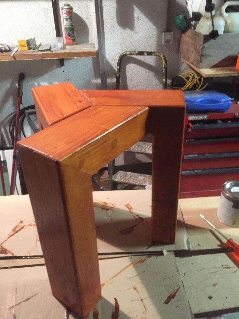 Tabouret en bois un peu design par tedey sur l 39 air du bois - Fabriquer un tabouret en bois ...