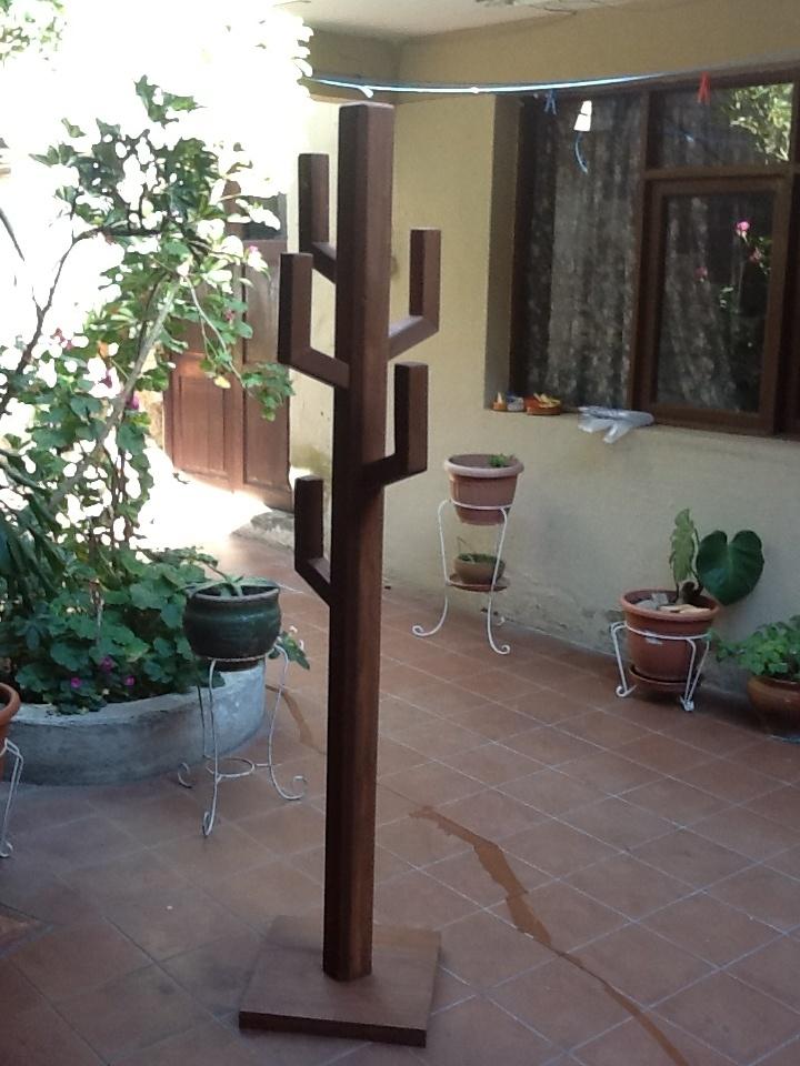 un porte manteaux cactus par francaisduboutdumonde sur l 39 air du bois. Black Bedroom Furniture Sets. Home Design Ideas