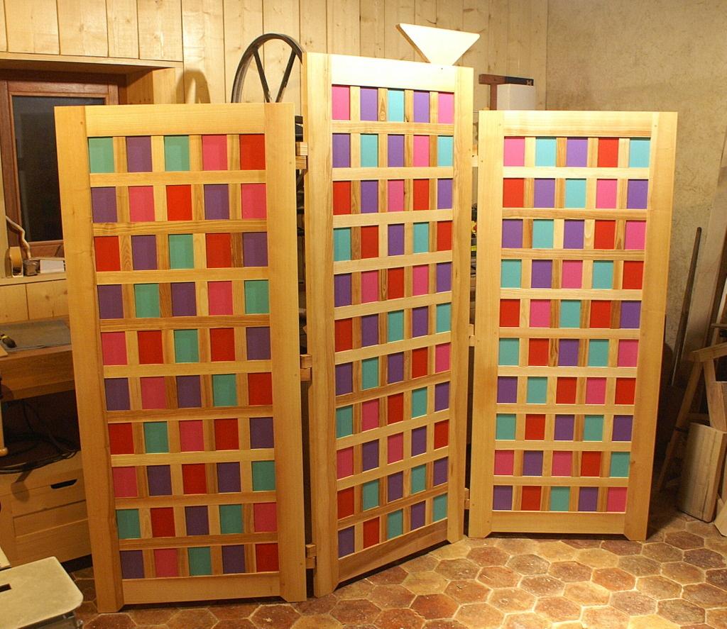 paravent color trois volets par zeloko sur l 39 air du bois. Black Bedroom Furniture Sets. Home Design Ideas