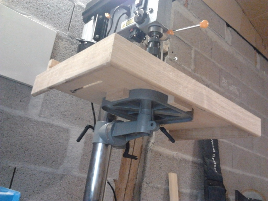 Table pour perceuse a colonne par l atelier vosgien sur l 39 air du bois - Fabriquer perceuse a colonne ...