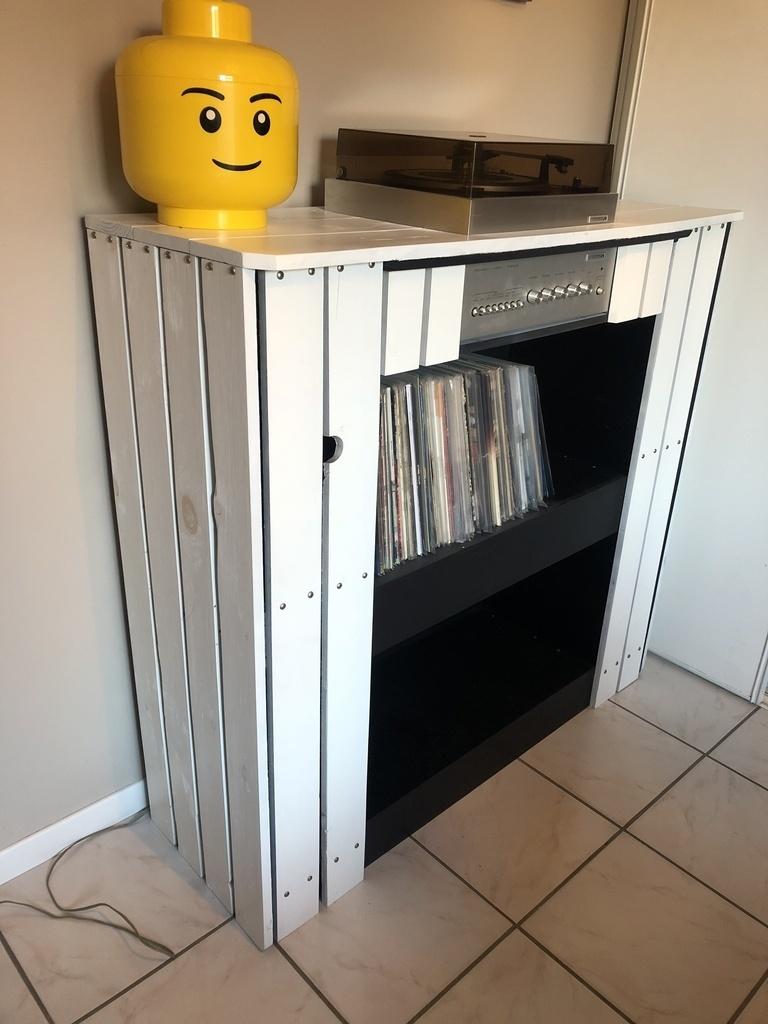 meuble pour platine vinyle en palette par cocotier sur l. Black Bedroom Furniture Sets. Home Design Ideas