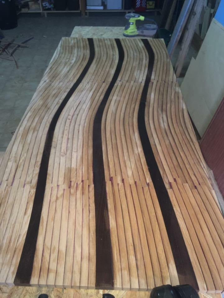 table en douelle de barrique par bruno sur l 39 air du bois. Black Bedroom Furniture Sets. Home Design Ideas
