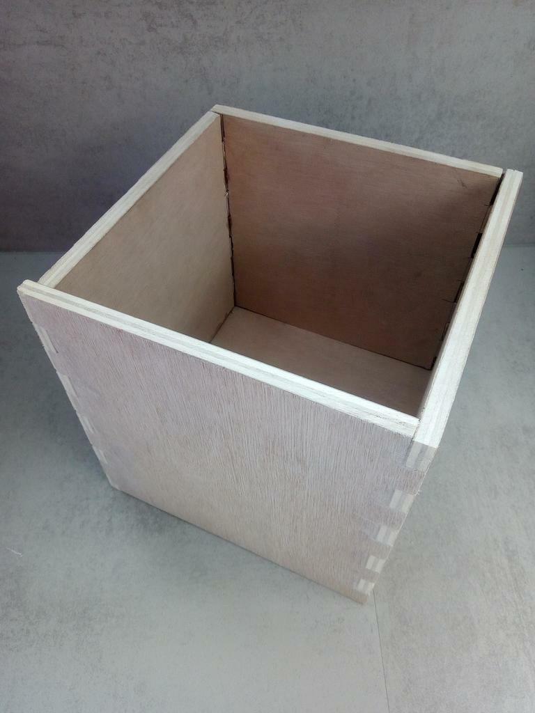 Petite poubelle de salle de bain par booster sur l 39 air du bois - Poubelle salle de bain en bois ...