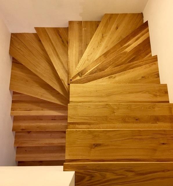 habillage d'escalier en chêne par thomas sur l'air du bois