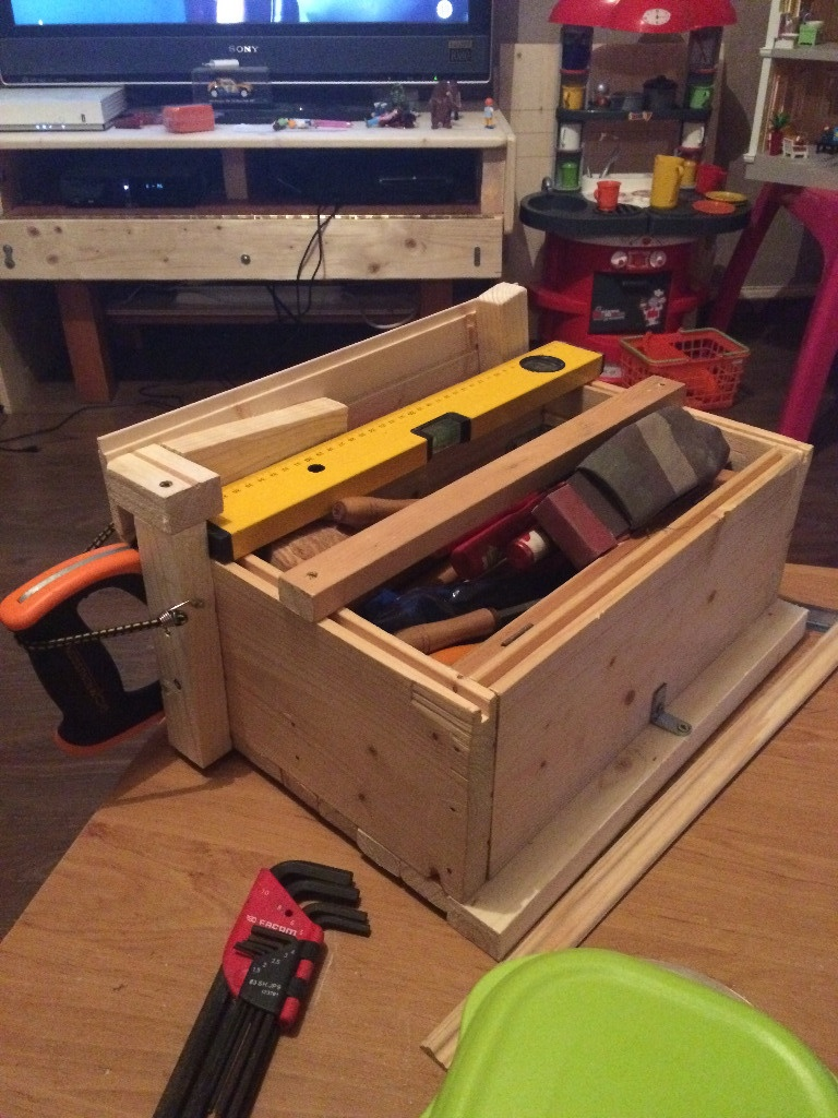 Caisse a outil en bois de menuisier - Caisse en bois leroy merlin ...
