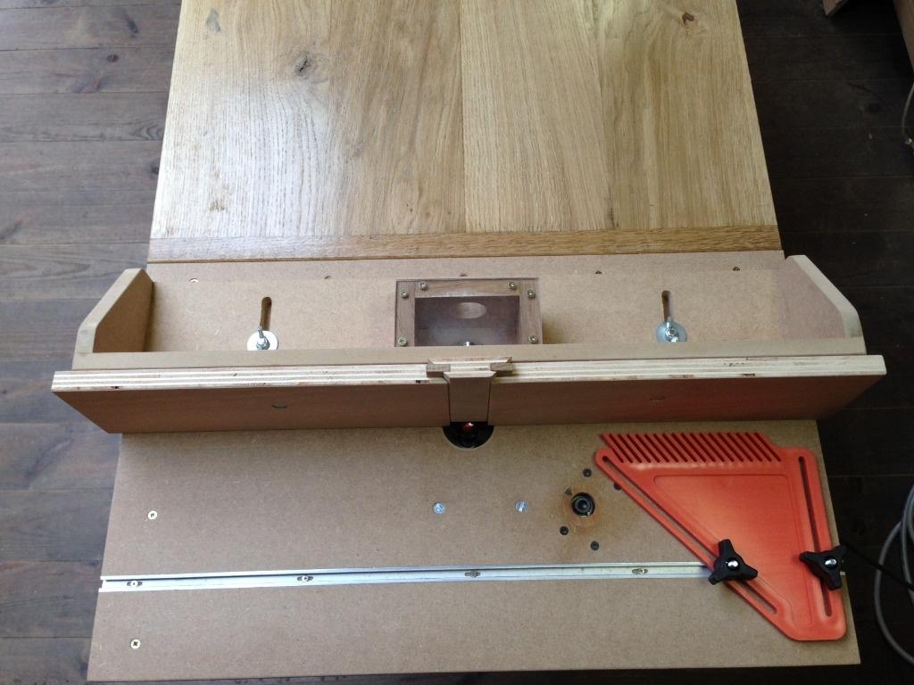 Adaptation d fonceuse sous table par xavier sur l 39 air du bois - Defonceuse sous table scheppach hf50 ...