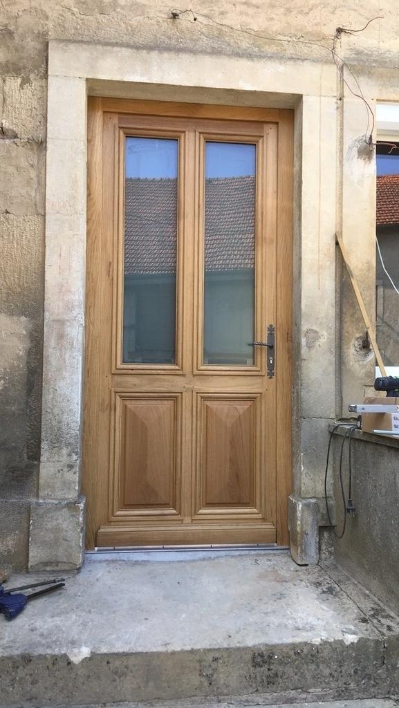 porte en bois extérieur