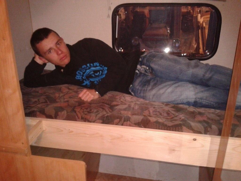 am nagement caravane par riquet18x4 sur l 39 air du bois. Black Bedroom Furniture Sets. Home Design Ideas