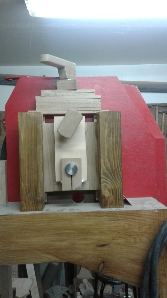petite scie a bois électrique