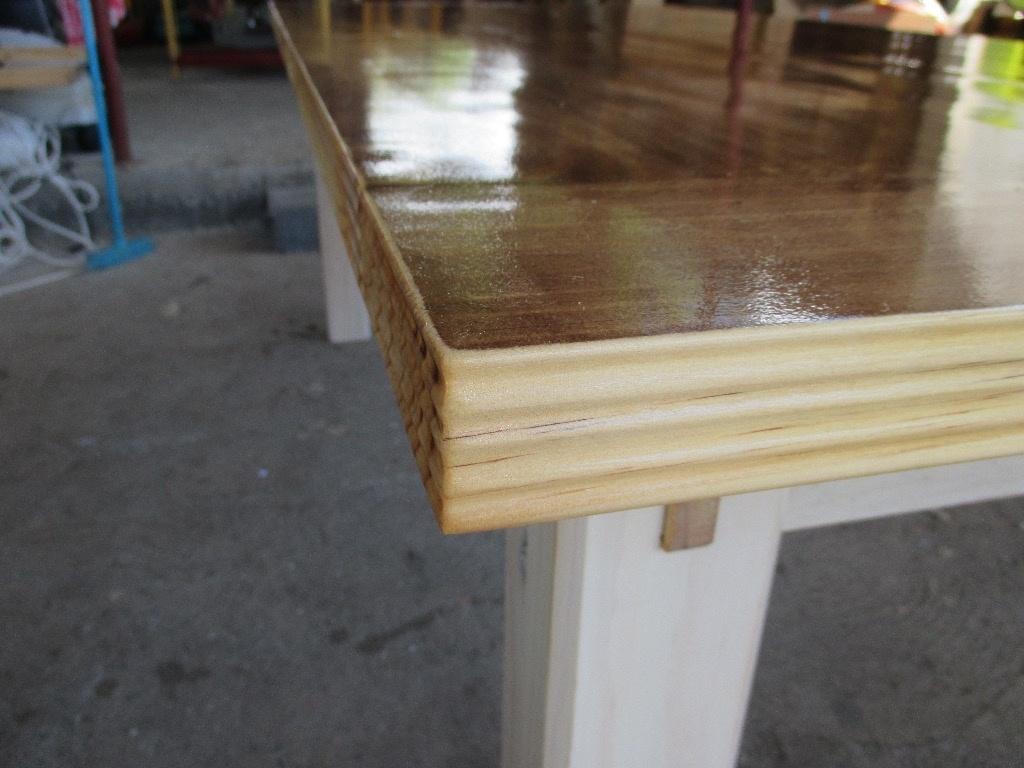 Table de salle manger par tehare01 sur l 39 air du bois for Que poser sur une table de salle a manger