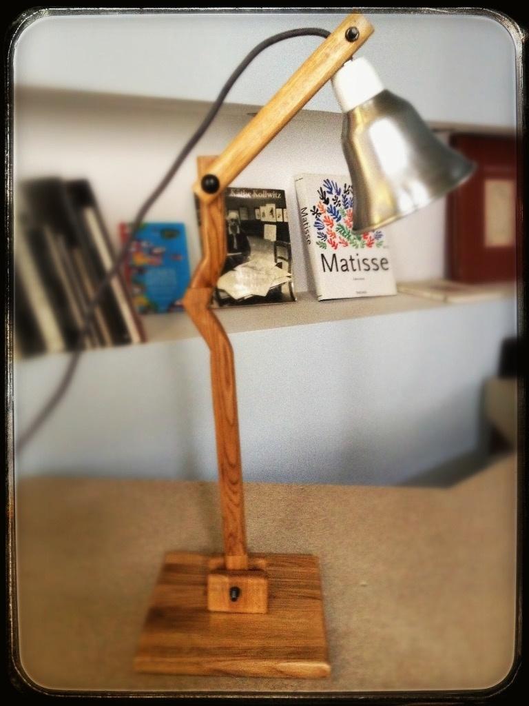 Petite lampe de bureau par mafalda64 sur l 39 air du bois - Petite lampe de bureau ...